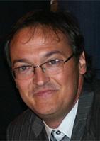 Dr. Álex Soriano